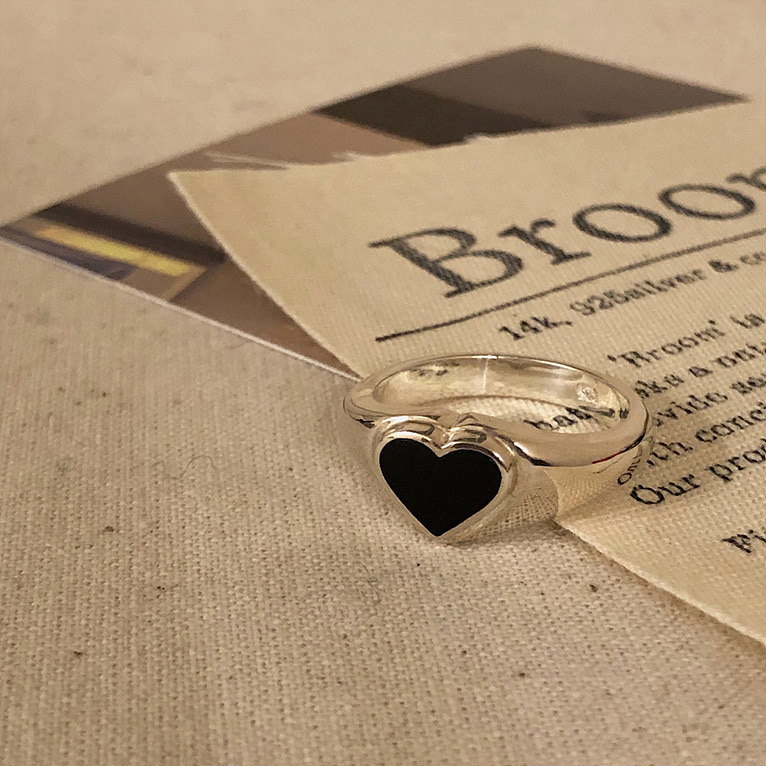 925silver black heart bold ring